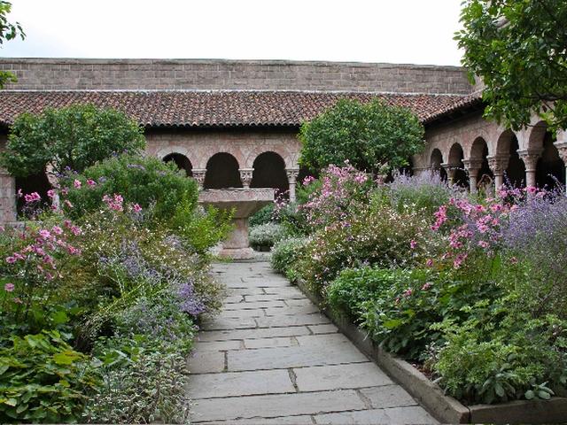 Abbaye St Génis des fontaines
