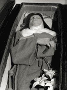 Mère Antigo